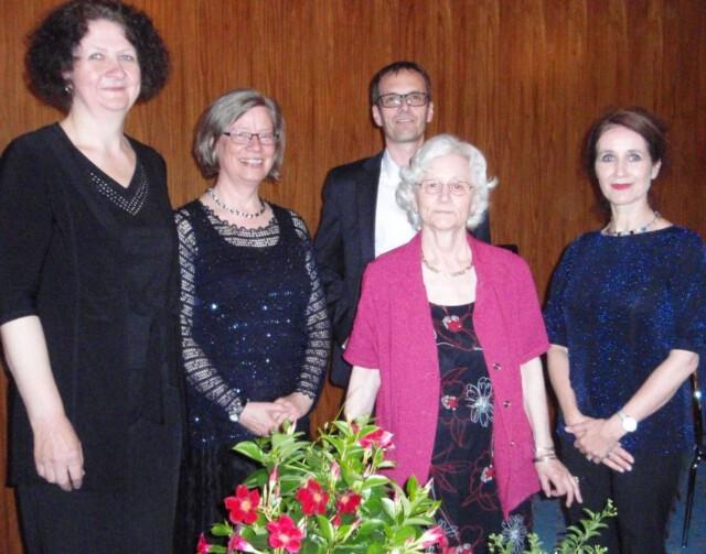 An den richtigen Stellen gelacht - Ein Abend für die Königin der Kuzgeschichte mit Birgitta Assheuer, Petra Miftaraj, Irene Mészár. Vera Alice Glöckner und Georg Magirius