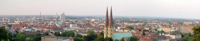 Bielefeld - fotografiert von der Sparrenburg Foto Wikipedia