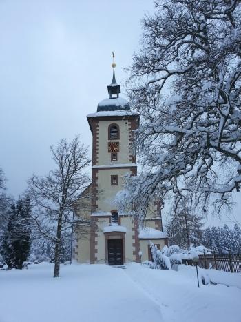 Ev. Kirche Loßburg-Schömberg im Schnee - Foto (c) Bettina Linck