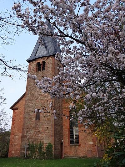 Laurentiuskirche Niedermittlau © Foto von Helmut Klosterbecker
