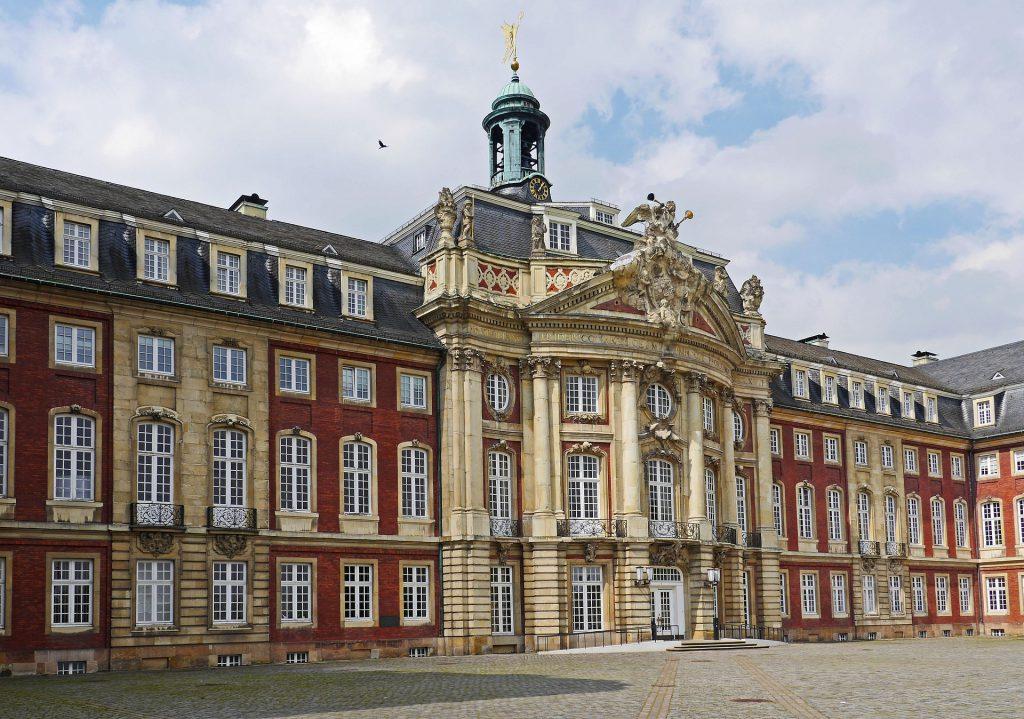 Jüdische Weisheit für Krisenzeiten - an der Universität in Münster hat Erich Zenger sie zur Sprache gebracht - Schloss der Uni