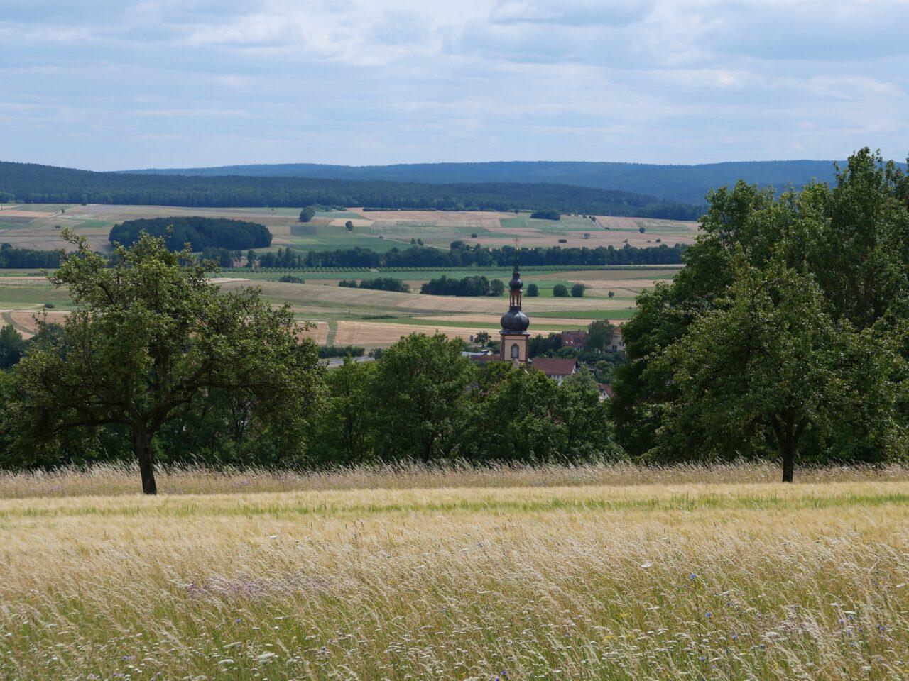 Elf Reisetipps für Franken von Eberhard Schellenberger - zum Beispiel Oberelsbach am Gangolfsberg in der Rhön