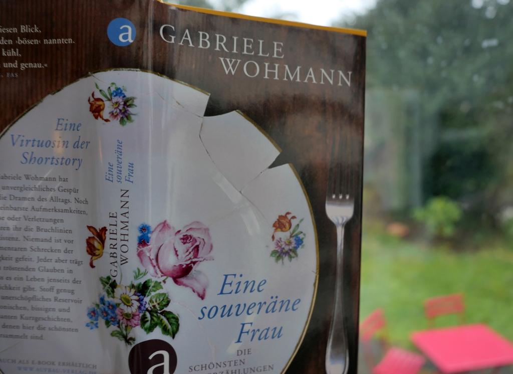 """Buchcover auf Veranda - Gabriele Wohmann zur Pandemie, zu lesen in """"Eine souveräne Frau"""""""